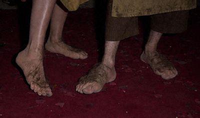 Voisin du dessus - Page 32 Hobbit_feet